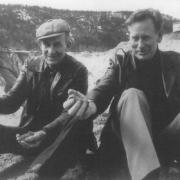 Første generasjonsskifte 1964. Kåre (t.v.) og John (t.h.) var dei to eldste brørne i familien Opseth - og det var sjølvsagt at dei to skulle føre Førde Sementvare vidare.